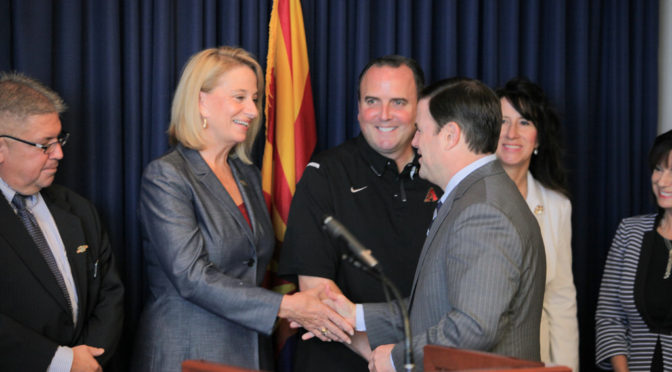 Mayor joins Governor to announce economic impact of AZ Cactus League
