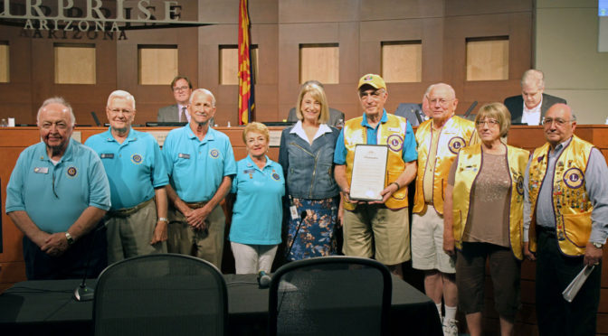 Mayor Wolcott and Lions Club members