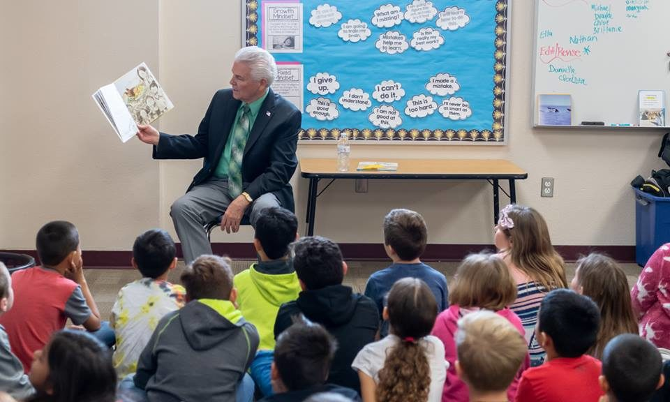 Mayor Hall reading to students for Read Across America